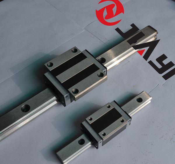 加大选用尺寸或者增加滑块的数量来提供直线导轨的